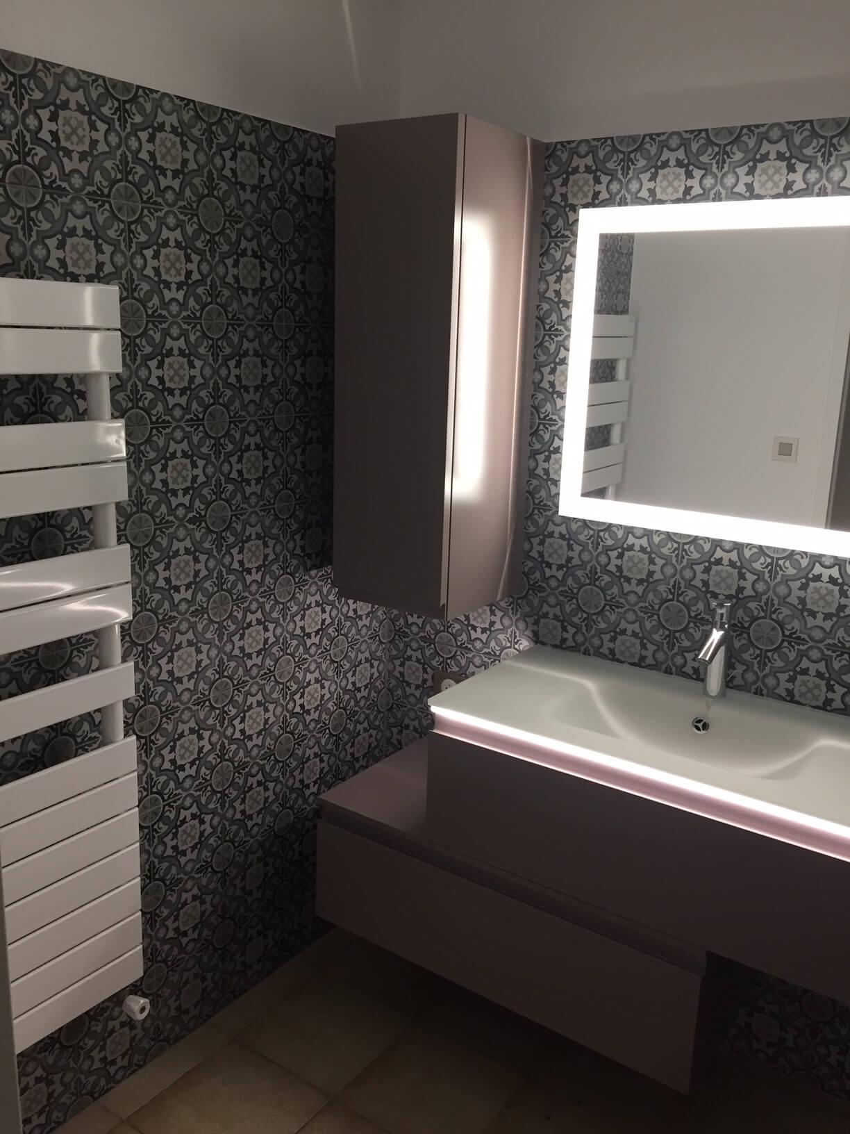 Rénovation complète d'une salle de bain par les plombiers-chauffagistes Génie Fluide