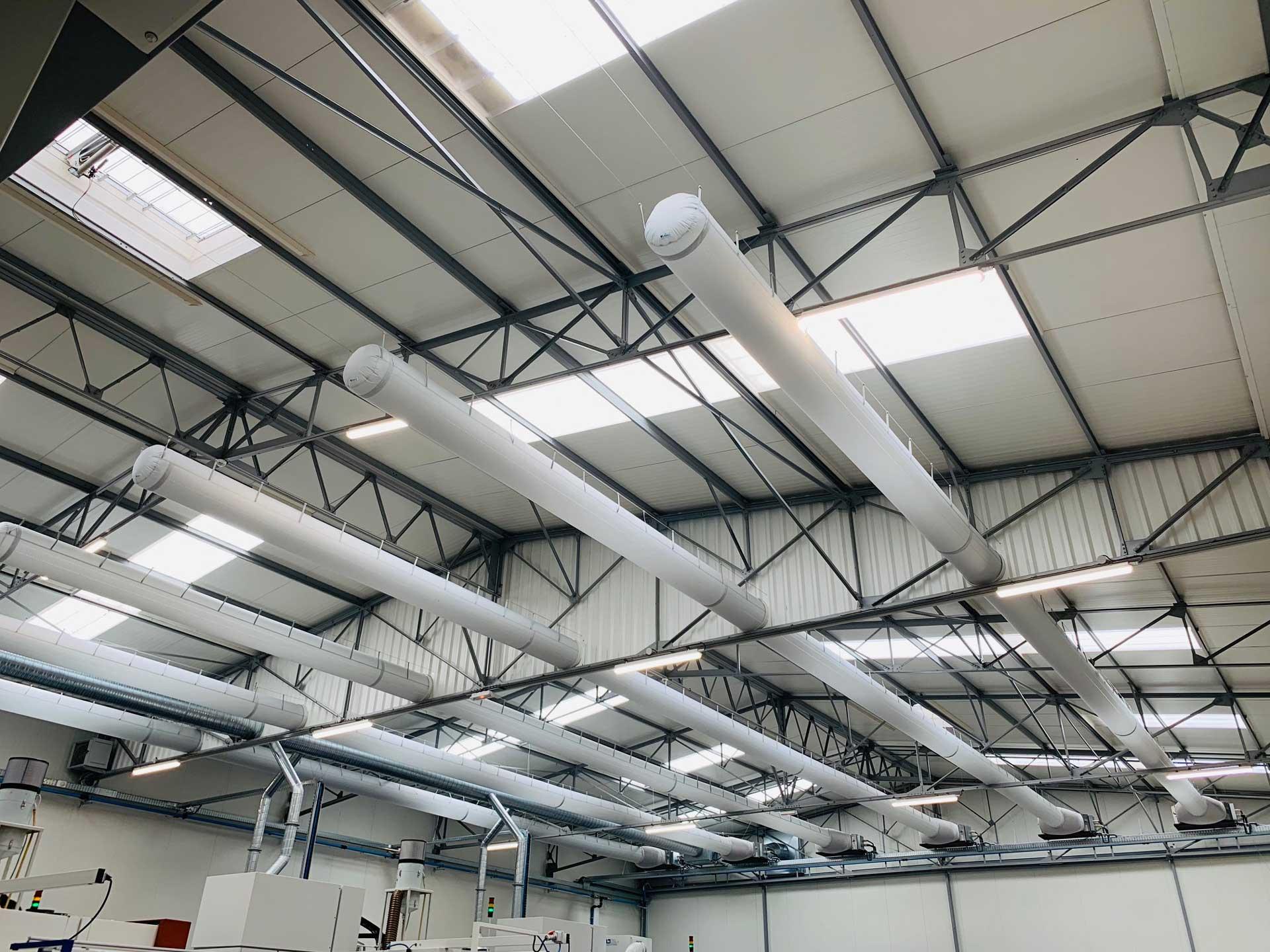 Installation d'un système de climatisation pour une usine de fabrication par Génie Fluide